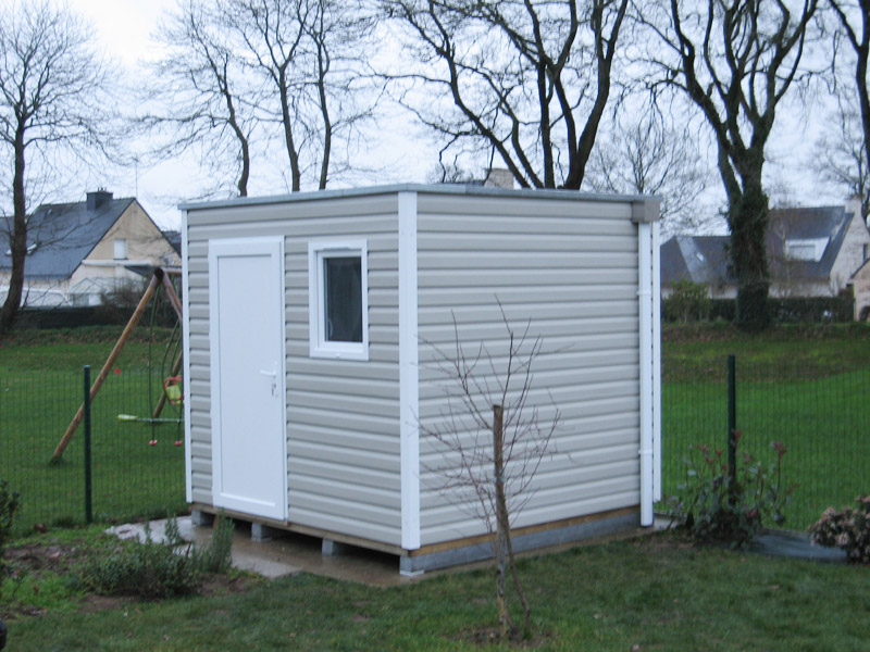 Awesome chalet de jardin en pvc pictures design trends for Cabanon de jardin en pvc