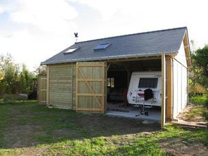 Abri camping car constructions bois abri la romagne for Location garage caravane