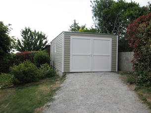 garage-contemporain-pvc-337x605